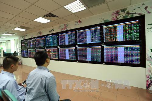 VN-Index quay đầu giảm 4,25 điểm Ảnh 1
