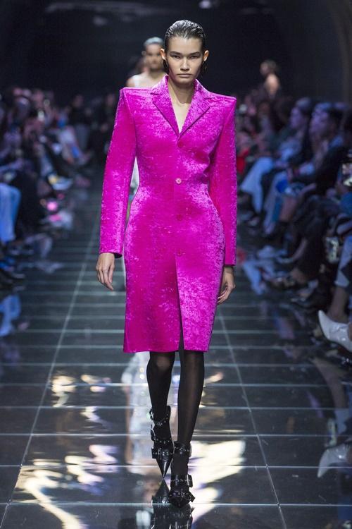 Loạt thiết kế đậm chất công sở khó bỏ qua tại Paris Fashion Week Ảnh 7