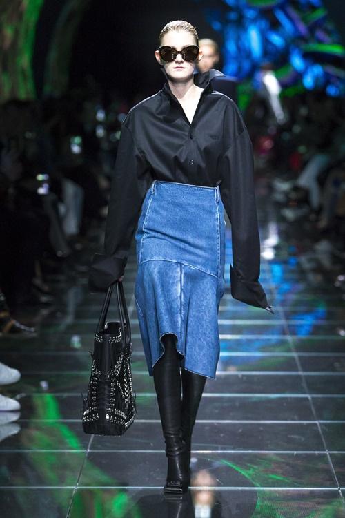 Loạt thiết kế đậm chất công sở khó bỏ qua tại Paris Fashion Week Ảnh 8
