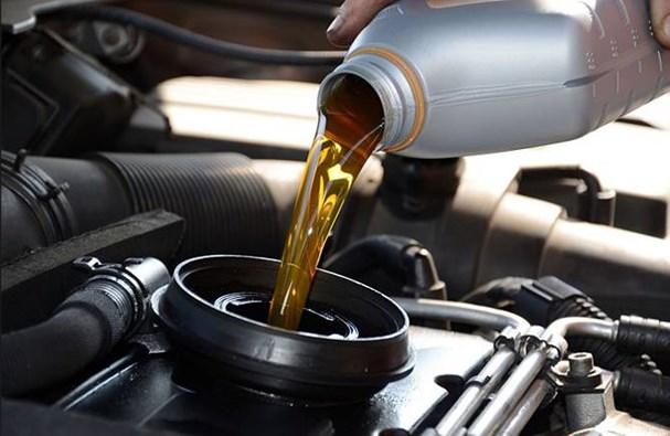 'Thời điểm vàng' để thay dầu nhớt ô tô cực chuẩn Ảnh 1