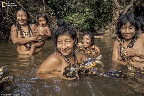 Ảnh hiếm về bộ tộc sắp bị tuyệt chủng trên Trái đất Ảnh 3
