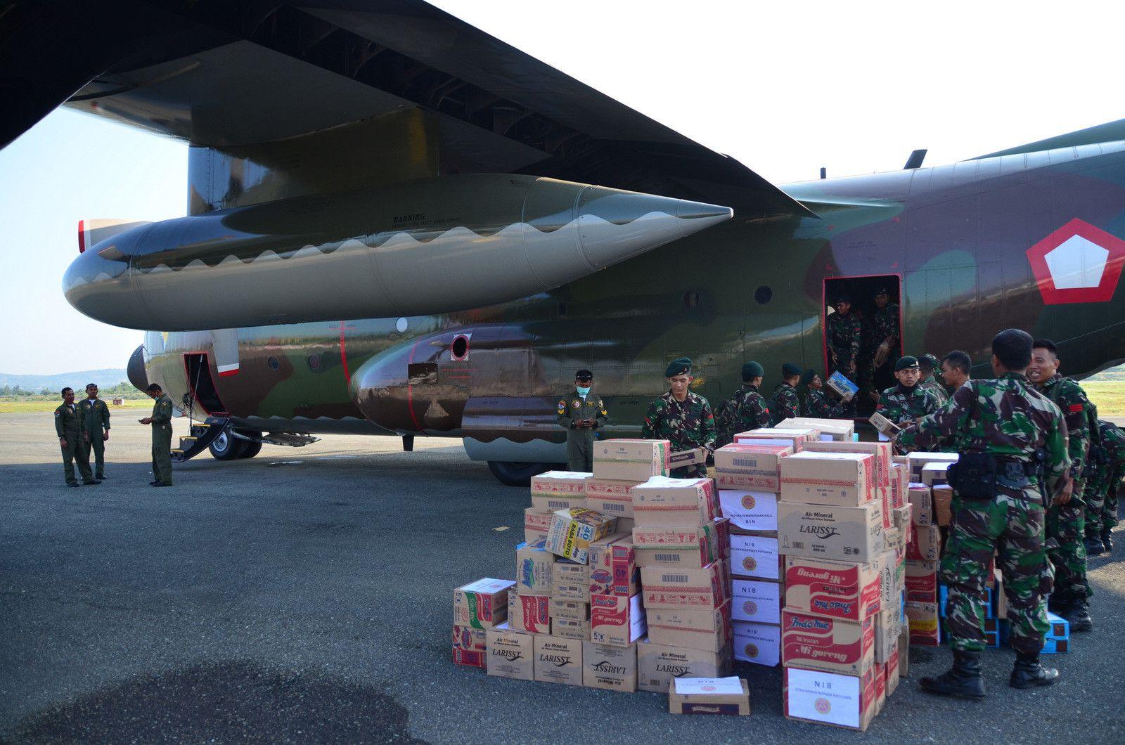 Thảm họa kép Indonesia: Ghi nhận của PV từ đầu cầu cứu trợ hàng không Palu Ảnh 6