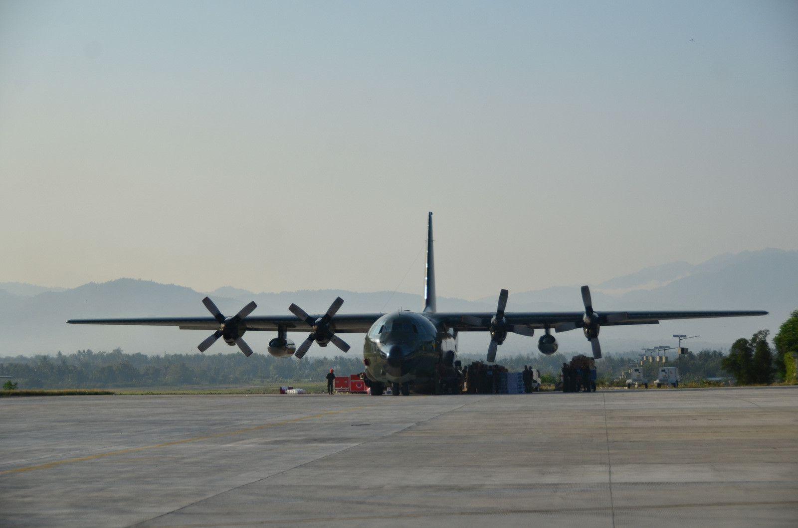 Thảm họa kép Indonesia: Ghi nhận của PV từ đầu cầu cứu trợ hàng không Palu Ảnh 1