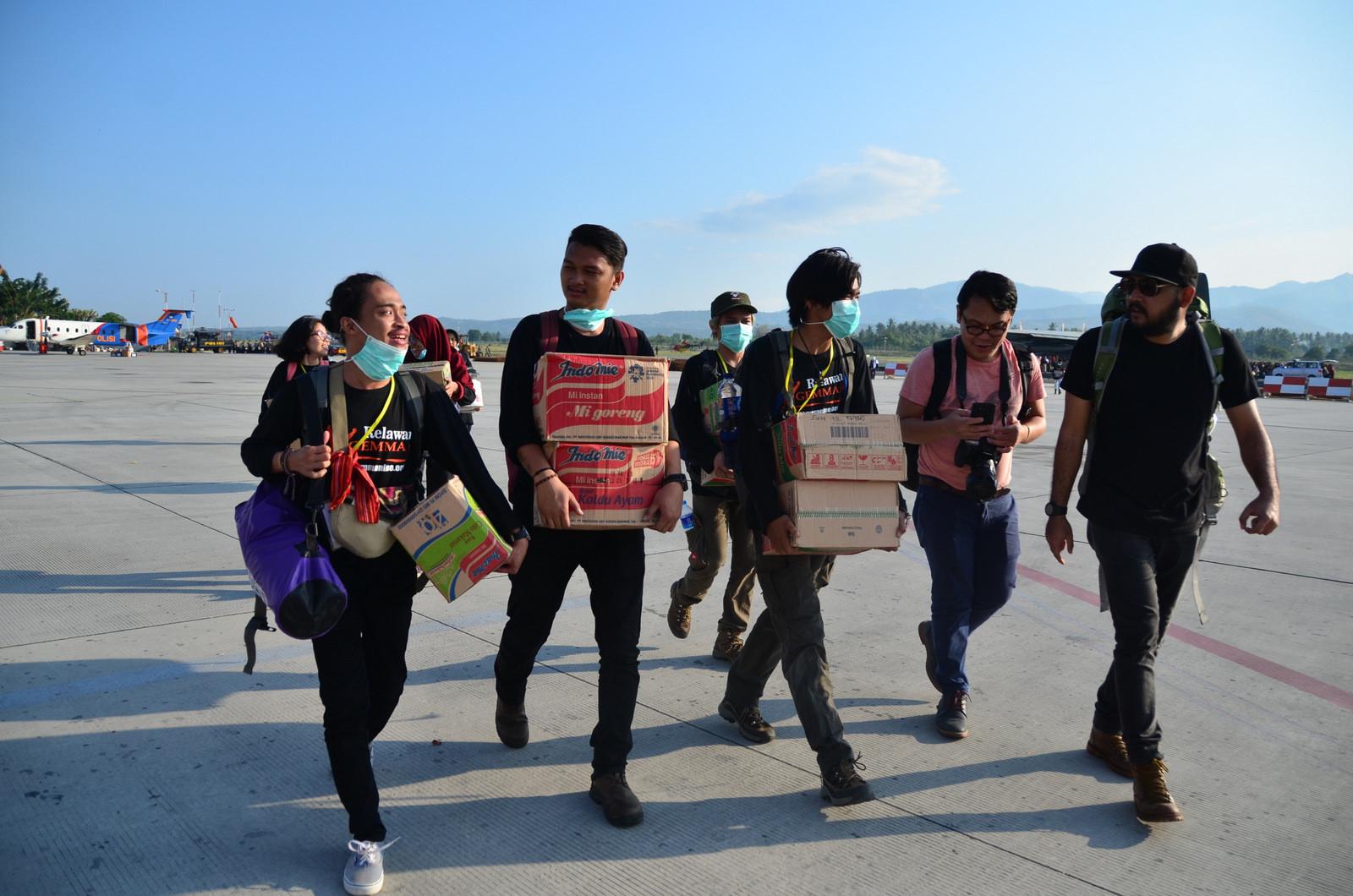 Thảm họa kép Indonesia: Ghi nhận của PV từ đầu cầu cứu trợ hàng không Palu Ảnh 8