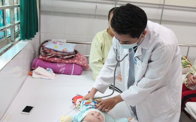 Hà Nội: 10 ca mắc tay chân miệng biến chứng nặng do nhiễm khuẩn EV71 Ảnh 1