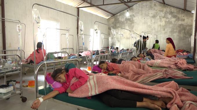150 học sinh Tiểu học ở Hà Giang phải nhập viện nghi bị ngộ độc do ăn xôi Ảnh 2