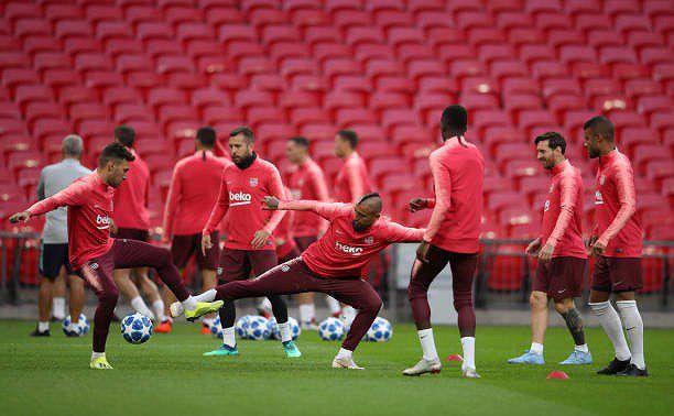 Messi-Suarez 'cặp kè' trên sân tập, sẵn sàng phá lưới Tottenham Ảnh 10