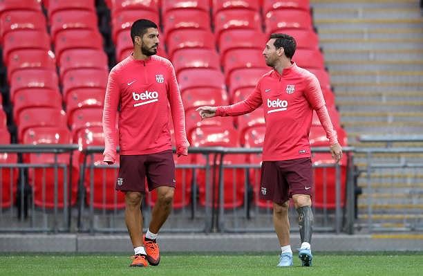 Messi-Suarez 'cặp kè' trên sân tập, sẵn sàng phá lưới Tottenham Ảnh 11