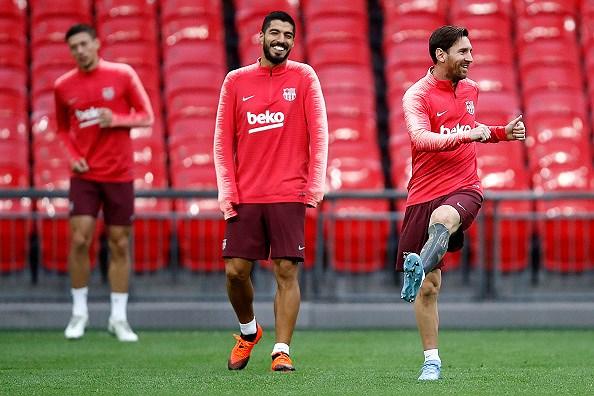 Messi-Suarez 'cặp kè' trên sân tập, sẵn sàng phá lưới Tottenham Ảnh 5