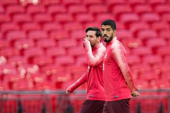 Messi-Suarez 'cặp kè' trên sân tập, sẵn sàng phá lưới Tottenham Ảnh 2