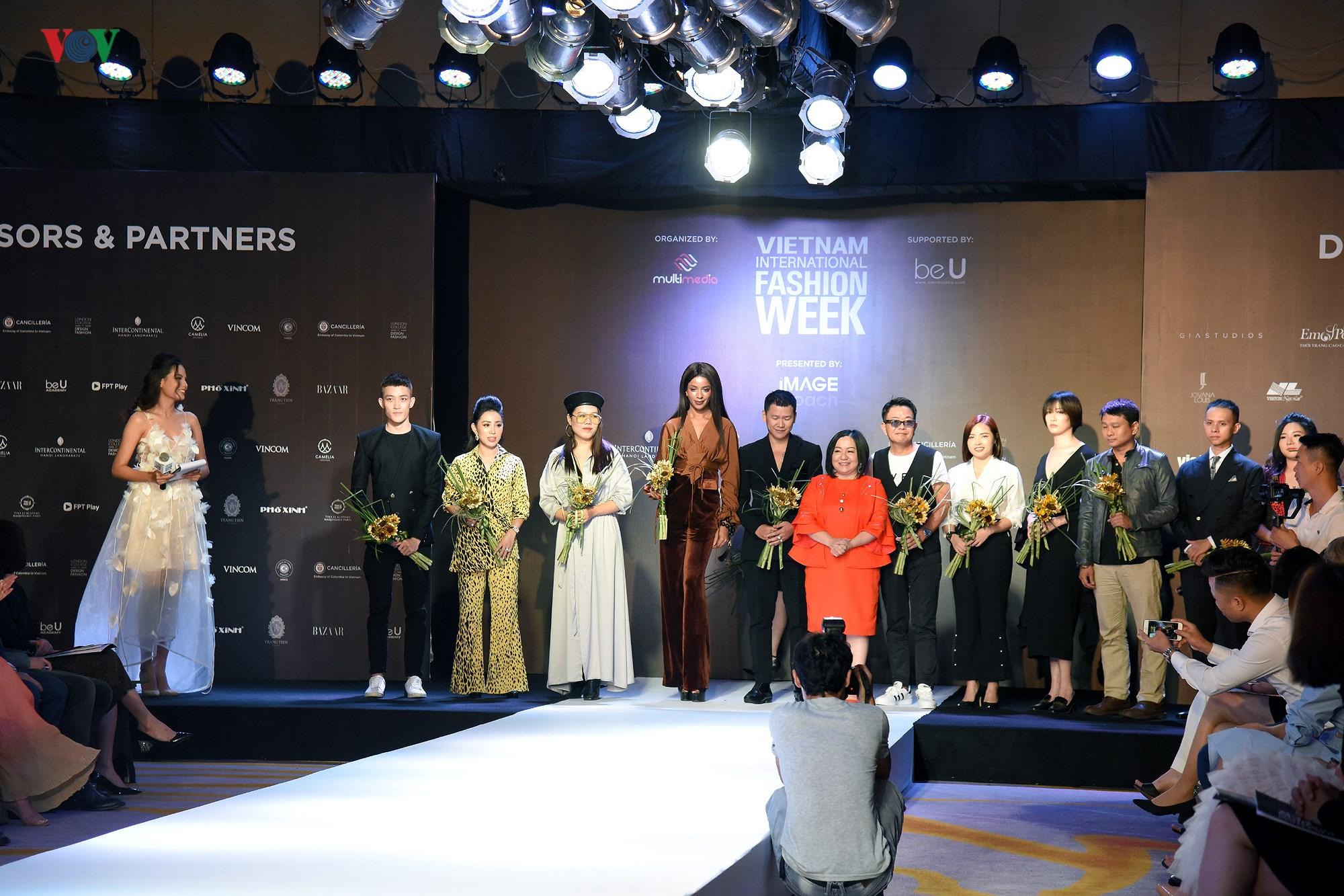Tuần lễ Thời trang quốc tế Việt Nam Thu Đông 2018 quy tụ nhiều NTK trẻ Ảnh 1