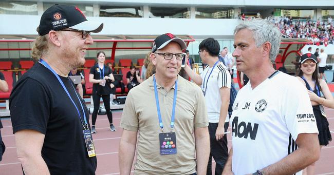 Bất ngờ với phản ứng của gia đình Glazers về tương lai Mourinho ở M.U Ảnh 2