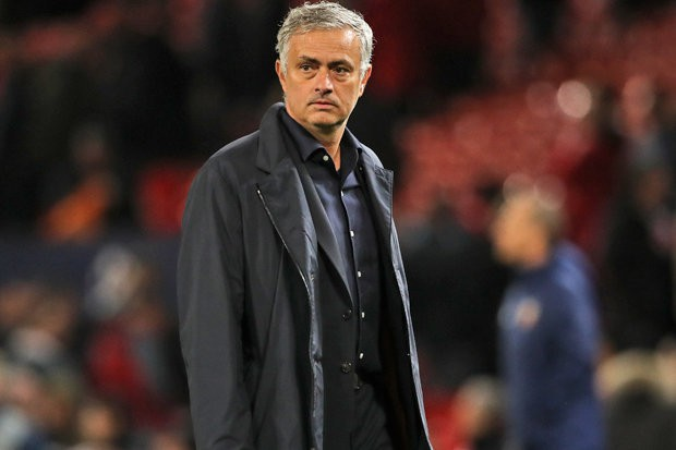Bất ngờ với phản ứng của gia đình Glazers về tương lai Mourinho ở M.U Ảnh 1