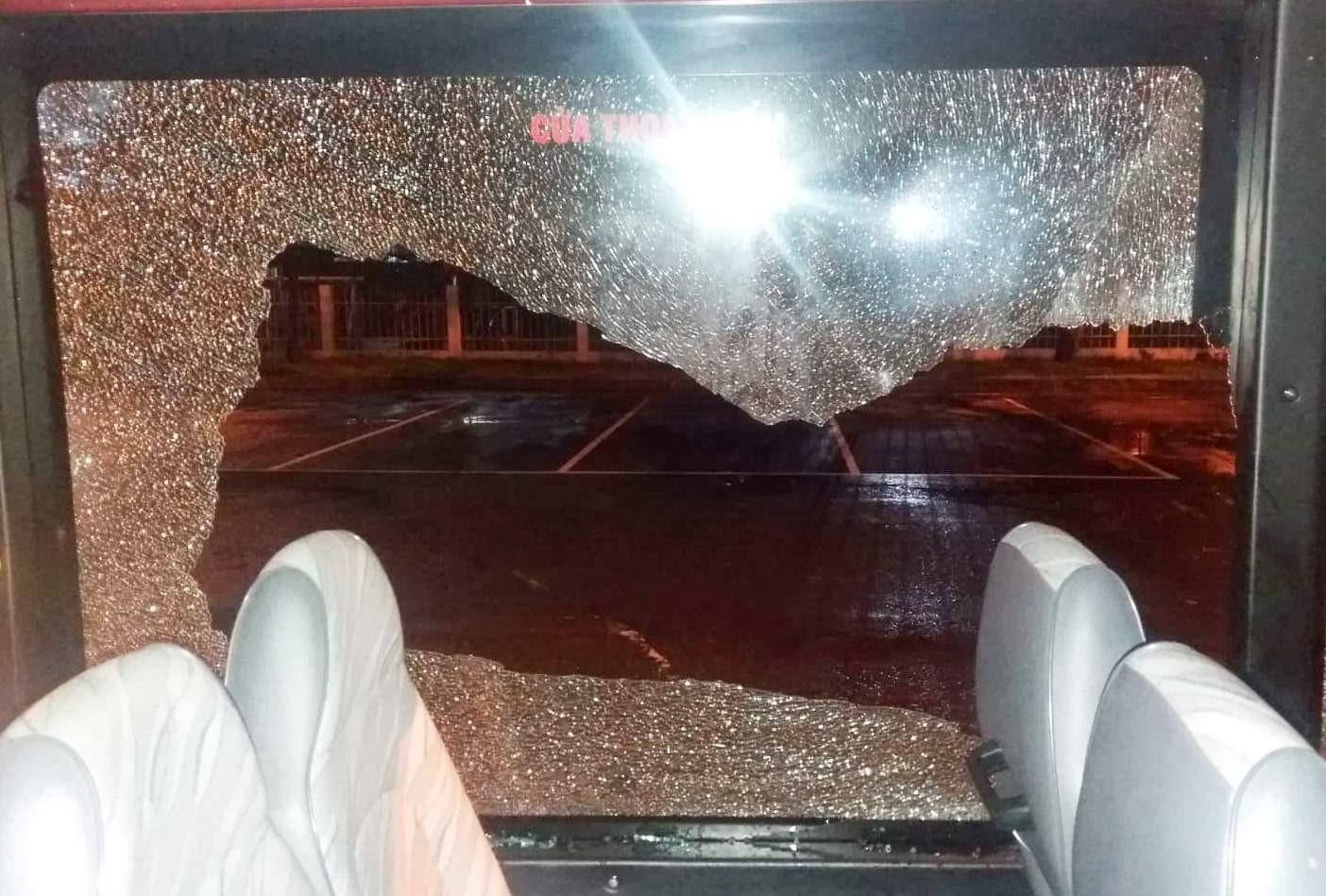 Chủ tịch Đà Nẵng yêu cầu xử nghiêm kẻ cầm mã tấu tấn công xe buýt Ảnh 1