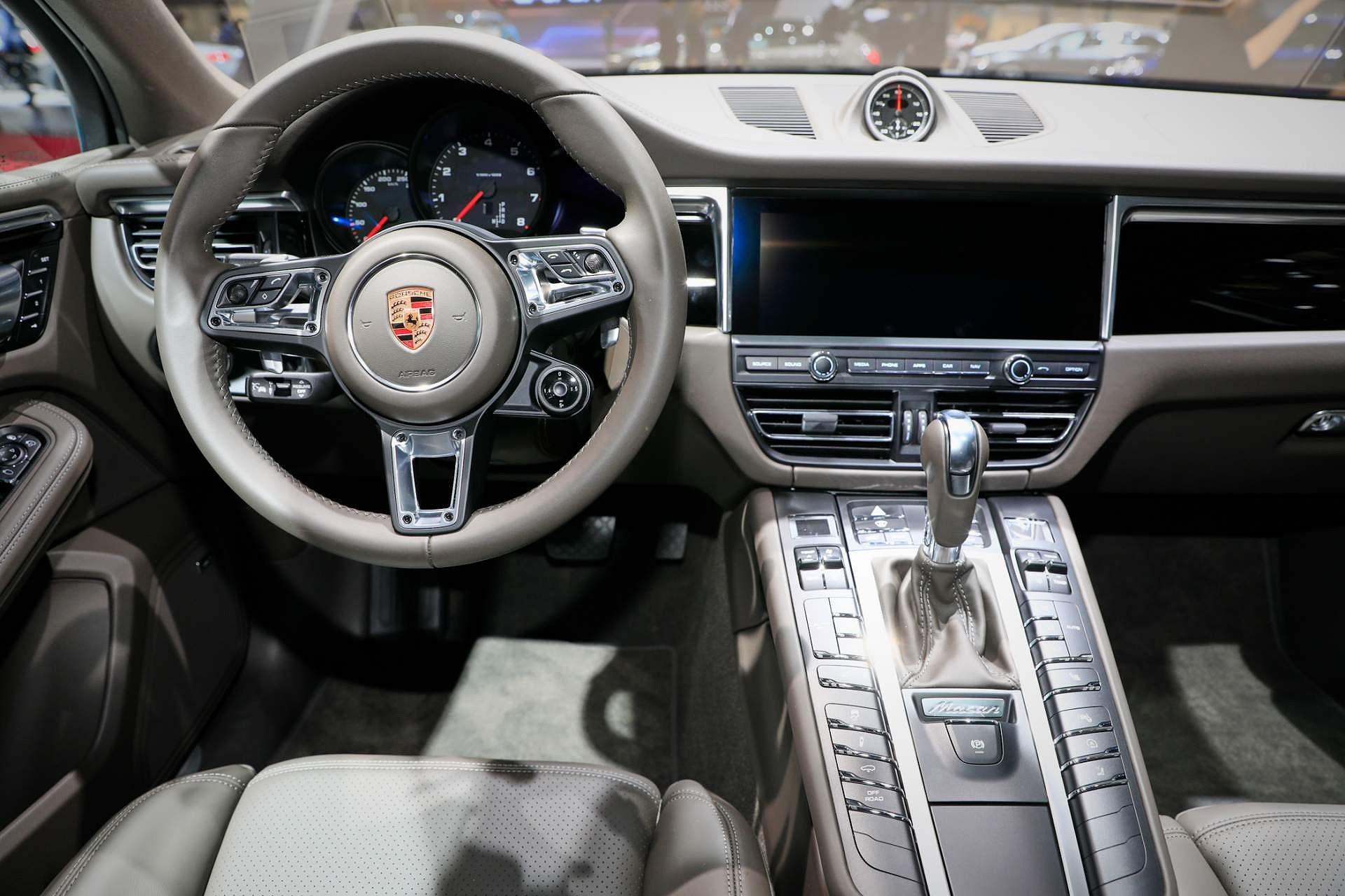 Porsche Macan ra mắt châu Âu với động cơ 242 mã lực Ảnh 7