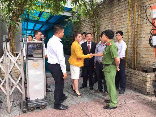 Bà Lê Hoàng Diệp Thảo nghi có âm mưu cách ly bà khỏi ông Đặng Lê Nguyên Vũ Ảnh 2