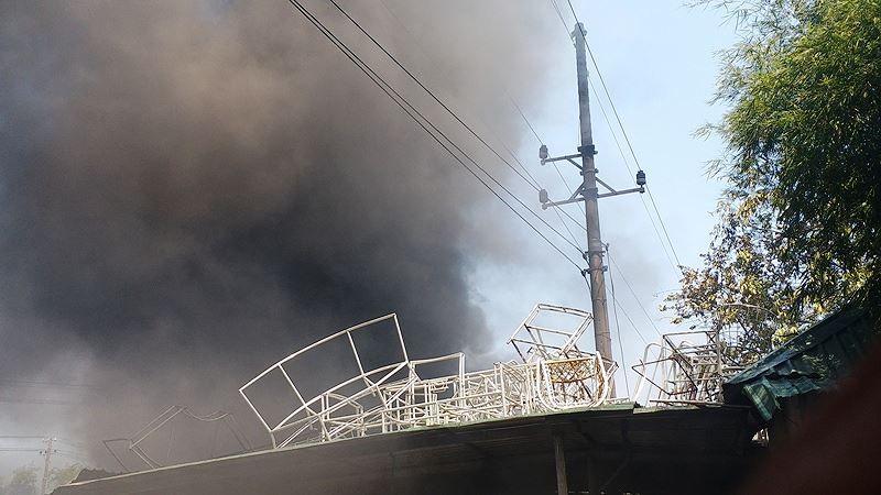 Phân xưởng đan ghế nhựa cháy ròng rã hơn hai giờ liền Ảnh 8