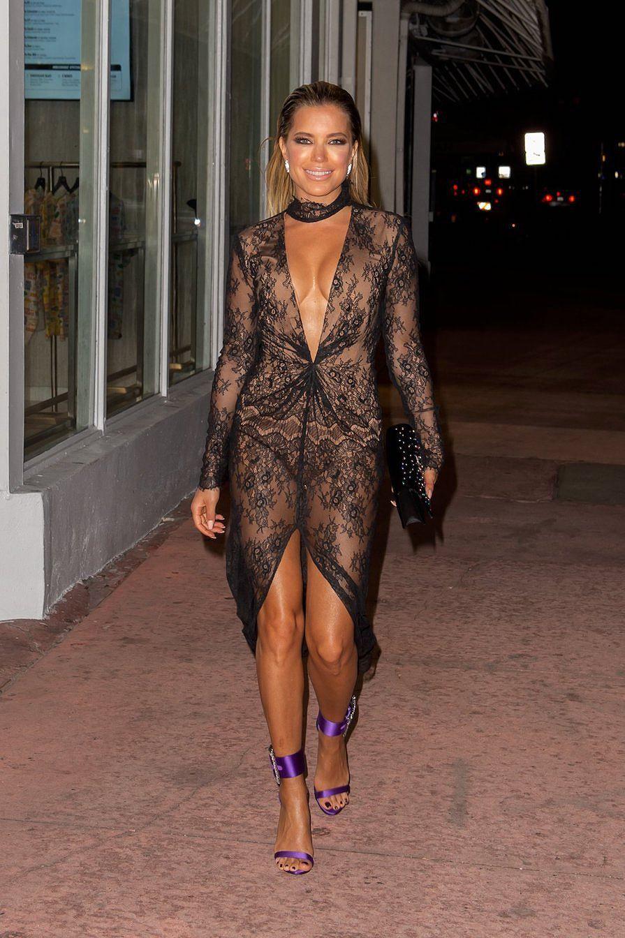 Vợ cũ của Van der Vaart quá gợi cảm với váy ren khoét xẻ bạo Ảnh 2