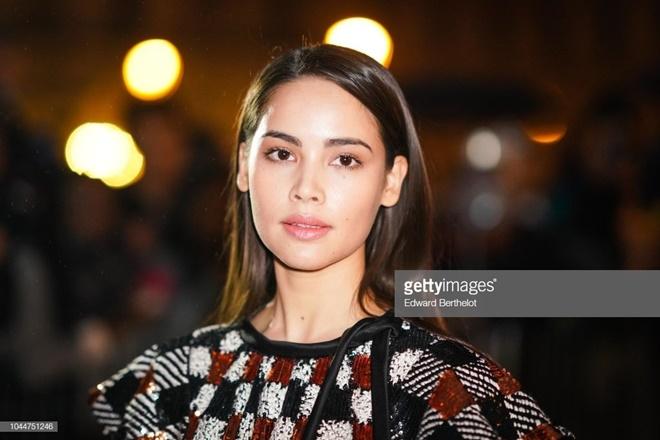 Yaya Urassaya được Vogue bình chọn là sao mặc đẹp nhất tại Louis Vuitton show Ảnh 3