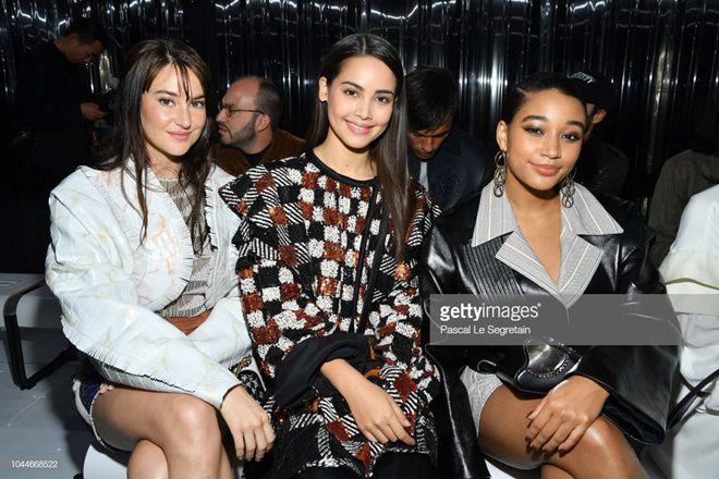 Yaya Urassaya được Vogue bình chọn là sao mặc đẹp nhất tại Louis Vuitton show Ảnh 5