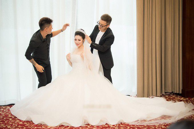 Thật đau đầu khi cân đo váy cưới của 3 cô dâu hot nhất 2018: Lan Khuê - Nhã Phương -Tú Anh Ảnh 9