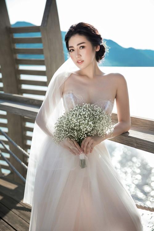 Thật đau đầu khi cân đo váy cưới của 3 cô dâu hot nhất 2018: Lan Khuê - Nhã Phương -Tú Anh Ảnh 11