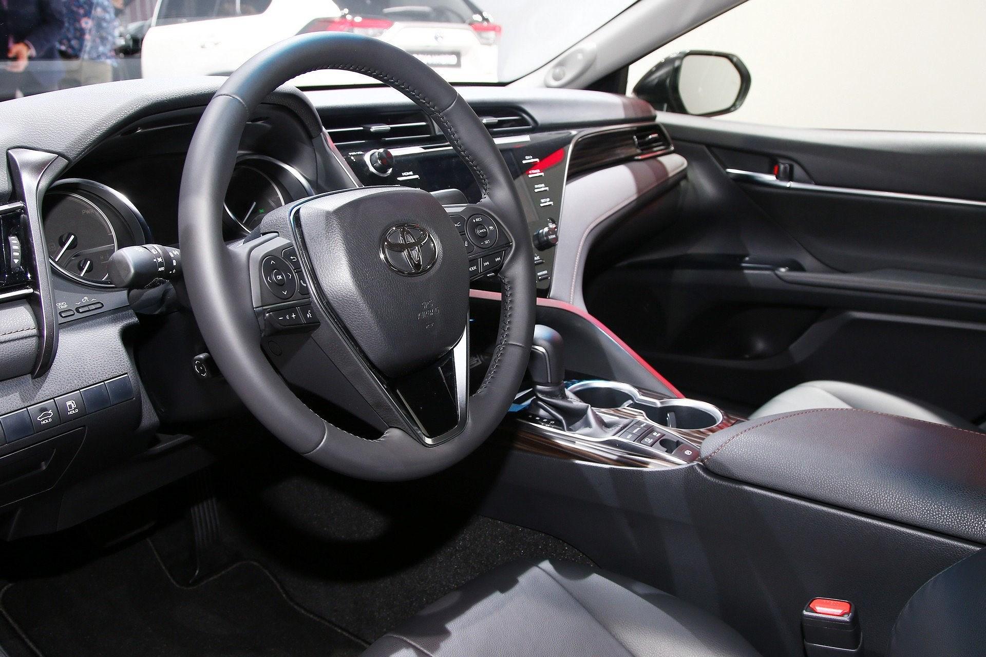 Toyota Camry Hybrid trở lại châu Âu sau 14 năm vắng bóng Ảnh 6