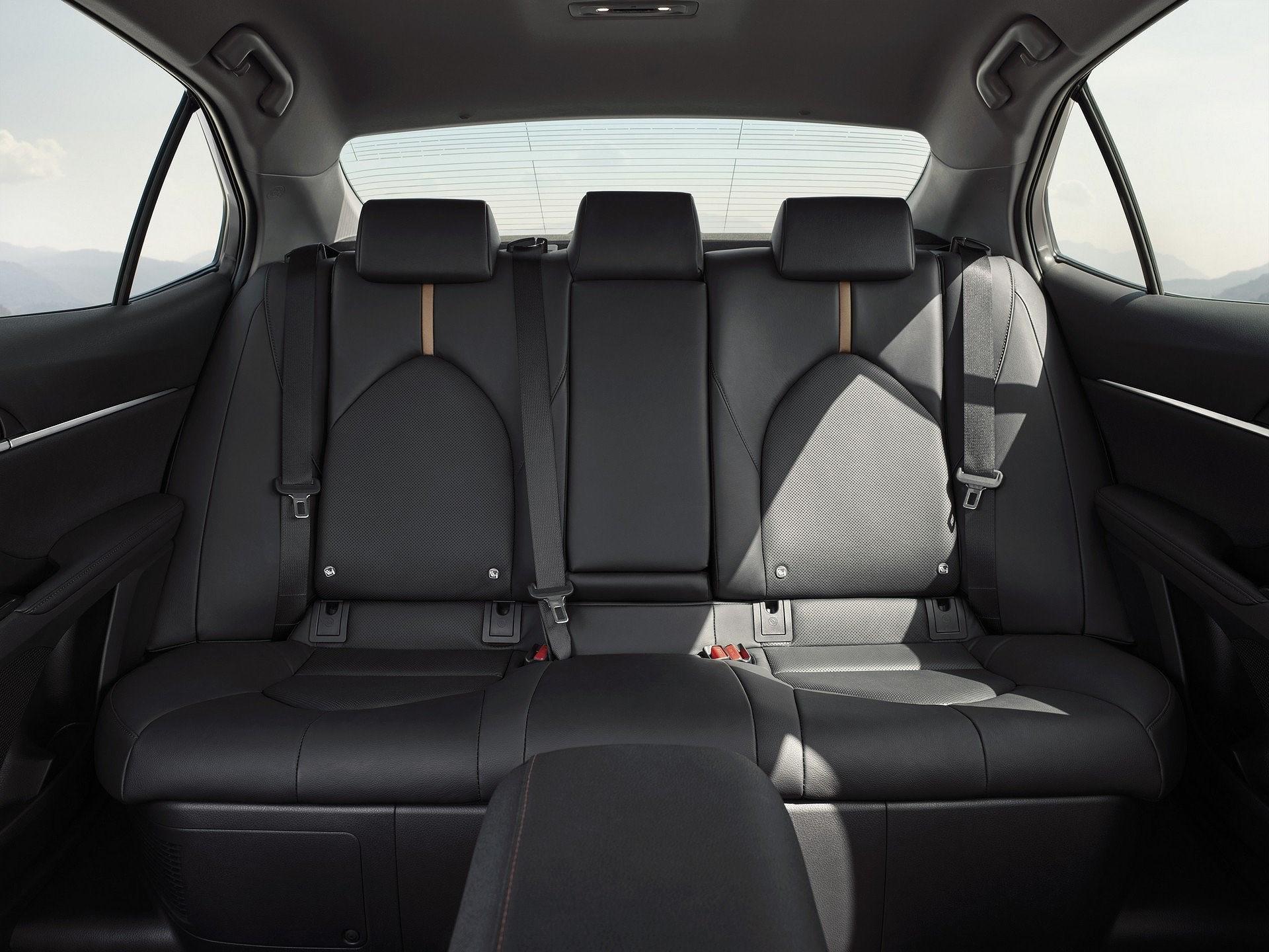 Toyota Camry Hybrid trở lại châu Âu sau 14 năm vắng bóng Ảnh 9