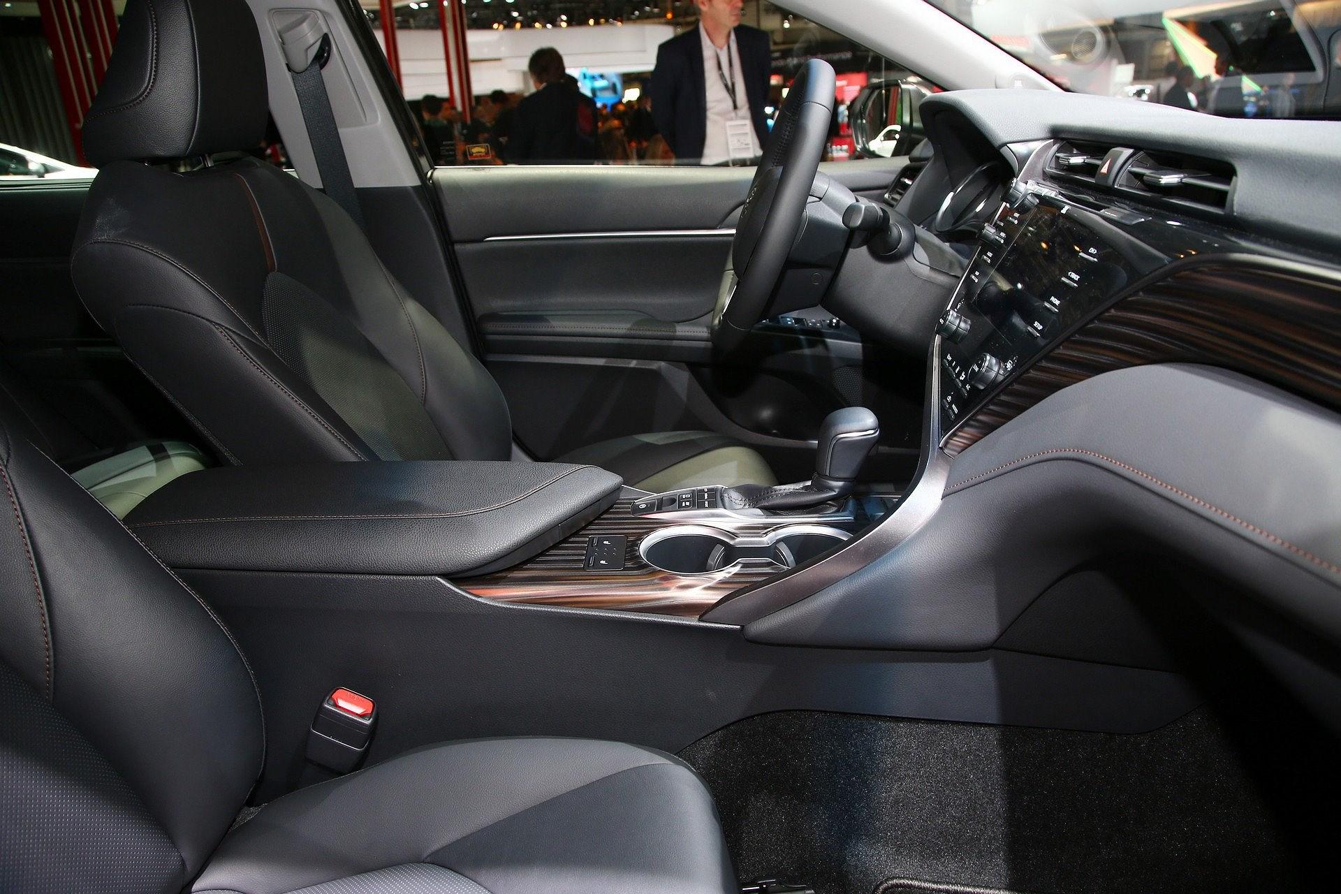 Toyota Camry Hybrid trở lại châu Âu sau 14 năm vắng bóng Ảnh 8