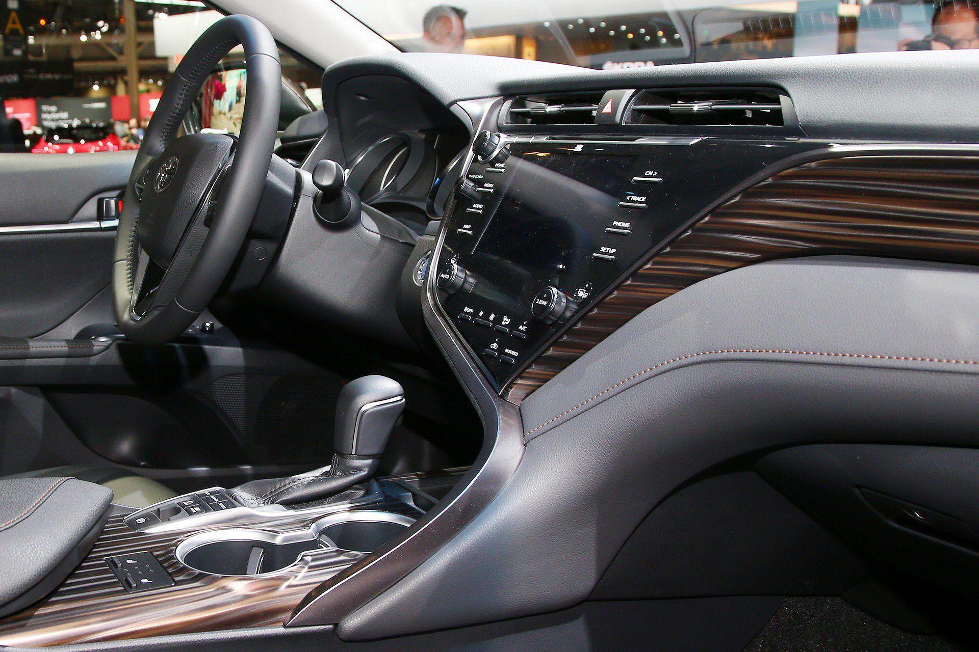 Toyota Camry Hybrid trở lại châu Âu sau 14 năm vắng bóng Ảnh 7