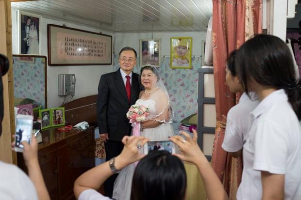 Mốt chụp ảnh cưới xa hoa và giấc mơ của các cặp đôi Trung Quốc Ảnh 11