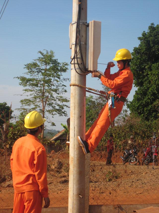 Công ty Điện lực Đắk Lắk: 42 năm thắp sáng niềm tin Ảnh 2