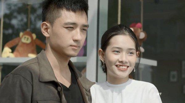 'Hậu duệ mặt trời' bản Việt vừa lên sóng, fan đã mỏi tay 'nhặt sạn' Ảnh 2