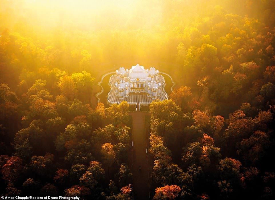 Ngắm loạt ảnh tuyệt đẹp được chụp từ camera bay Ảnh 10