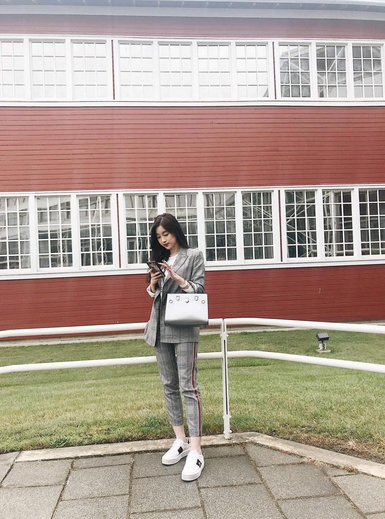 Hoa hậu Mỹ Linh nổi tiếng tiết kiệm ngày nào giờ đã có một bộ sưu tập túi hiệu rồi đây Ảnh 10