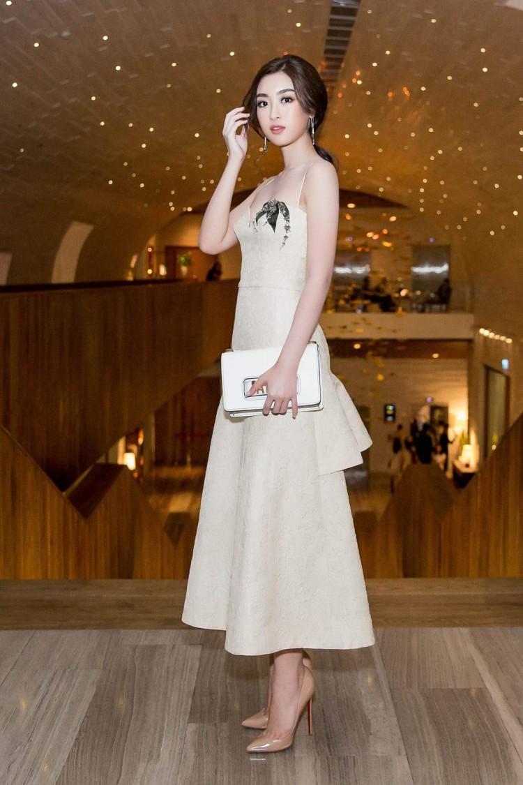 Hoa hậu Mỹ Linh nổi tiếng tiết kiệm ngày nào giờ đã có một bộ sưu tập túi hiệu rồi đây Ảnh 6