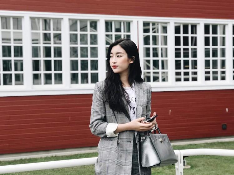 Hoa hậu Mỹ Linh nổi tiếng tiết kiệm ngày nào giờ đã có một bộ sưu tập túi hiệu rồi đây Ảnh 8