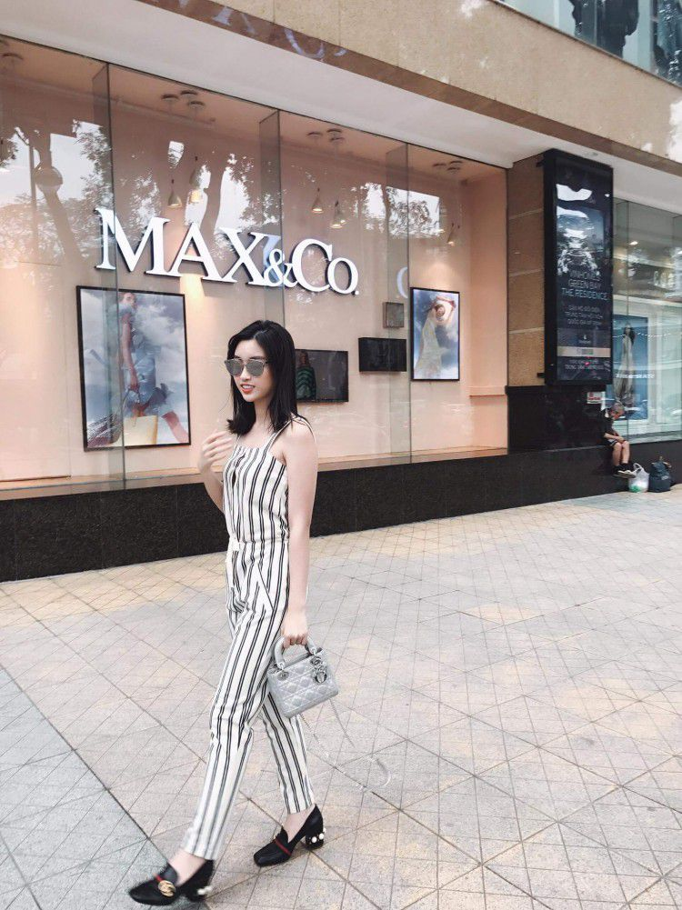 Hoa hậu Mỹ Linh nổi tiếng tiết kiệm ngày nào giờ đã có một bộ sưu tập túi hiệu rồi đây Ảnh 3