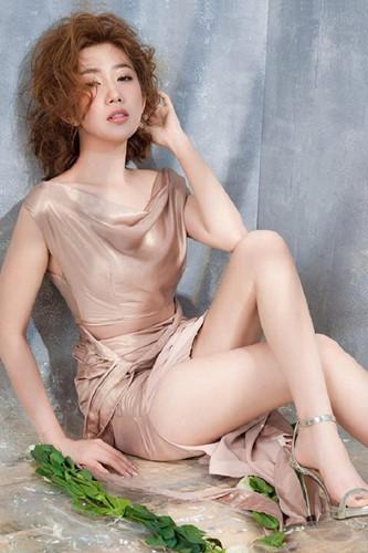 Gu thời trang gợi cảm nữ diễn viên bị ghét nhất phim 'Gạo nếp, gạo tẻ' Ảnh 3