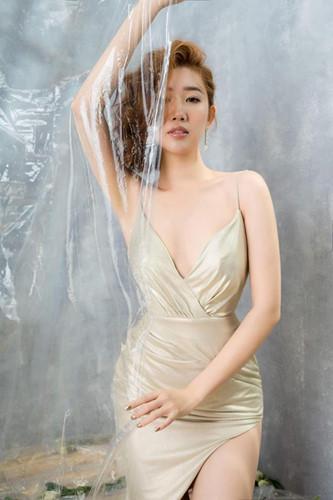 Gu thời trang gợi cảm nữ diễn viên bị ghét nhất phim 'Gạo nếp, gạo tẻ' Ảnh 2