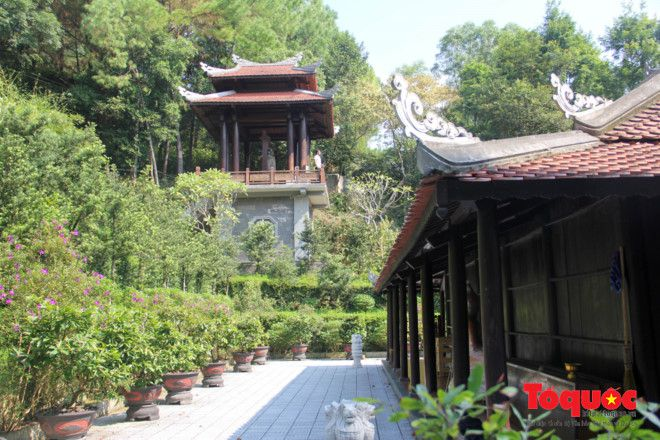 Khám phá ngôi chùa nằm trong lòng núi đẹp như 'tiên cảnh' ở Cố đô Huế Ảnh 12