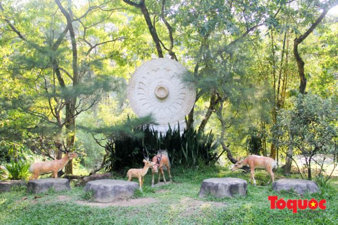 Khám phá ngôi chùa nằm trong lòng núi đẹp như 'tiên cảnh' ở Cố đô Huế Ảnh 3