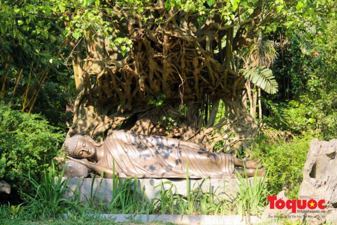 Khám phá ngôi chùa nằm trong lòng núi đẹp như 'tiên cảnh' ở Cố đô Huế Ảnh 10