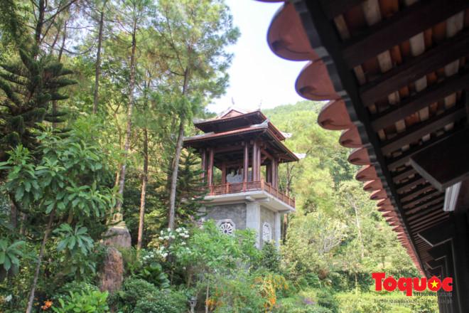 Khám phá ngôi chùa nằm trong lòng núi đẹp như 'tiên cảnh' ở Cố đô Huế Ảnh 6