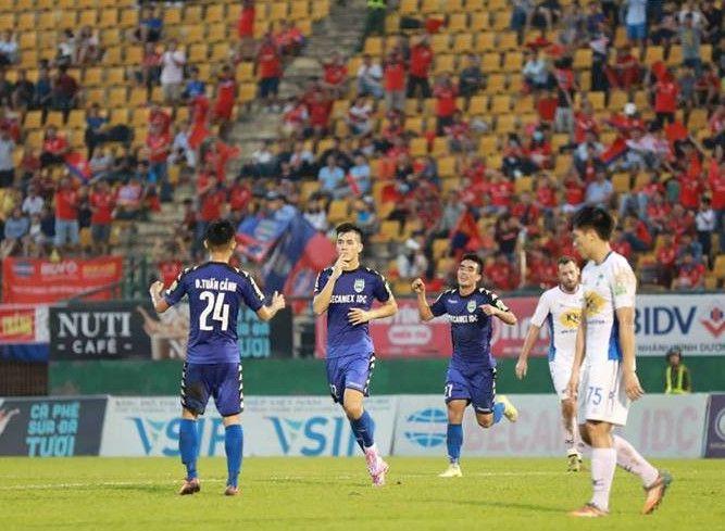 Tiến Linh vượt Công Phượng để trở thành 'vua phá lưới nội' ở V.League Ảnh 1