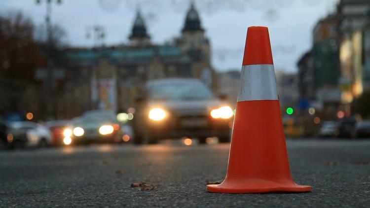 Những thiết bị cảnh báo sự cố mà tài xế nào cũng nên có trên ô tô Ảnh 2