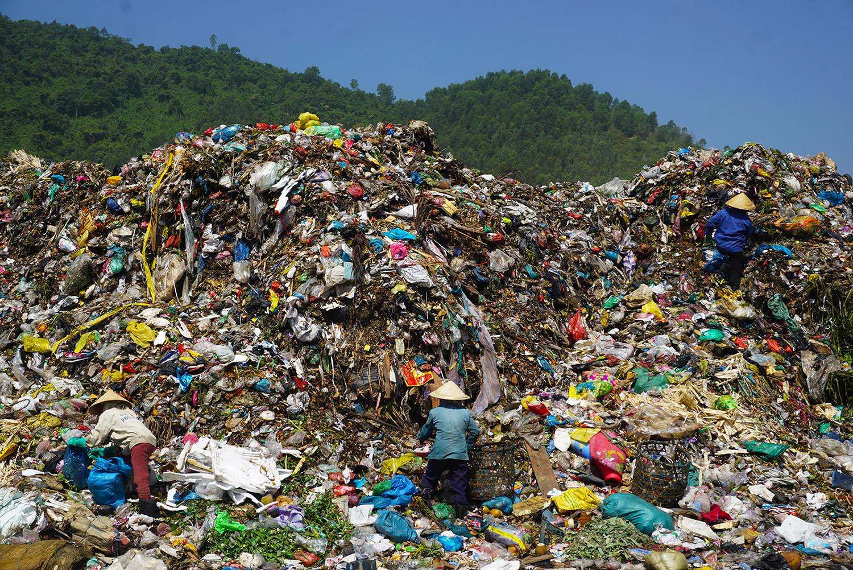 Phó chủ tịch Đà Nẵng: 'Bãi rác thối thế này, dân sao chịu được' Ảnh 3