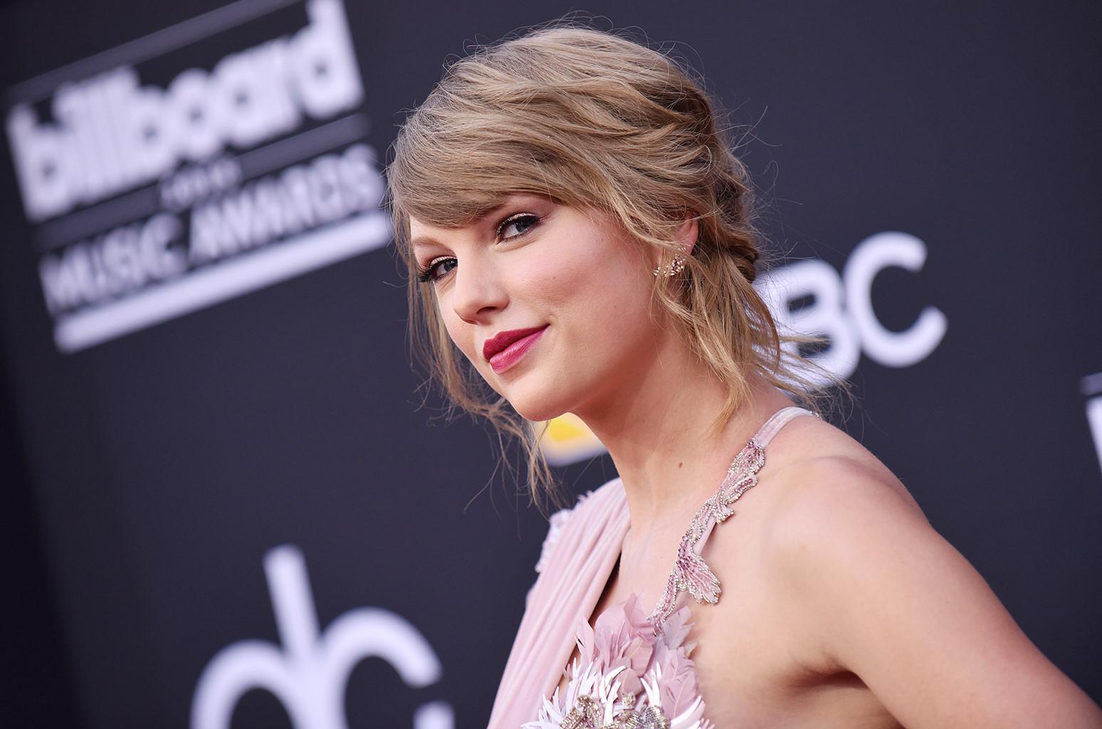 Taylor Swift tuyên bố ủng hộ đảng Dân chủ trong cuộc bầu cử Mỹ sắp tới Ảnh 1