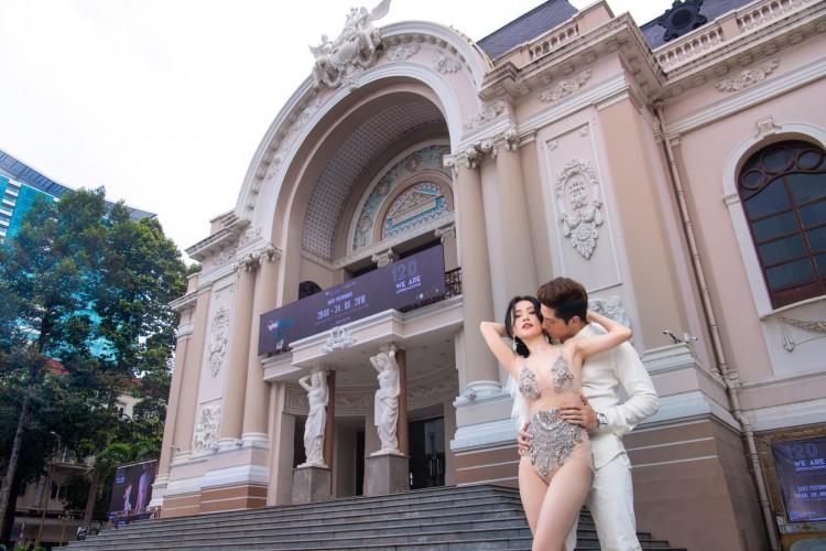 Diện đồ hở hang chụp ảnh cưới giữa phố, Sĩ Thanh nhận 'mưa gạch đá' từ cộng đồng mạng Ảnh 3