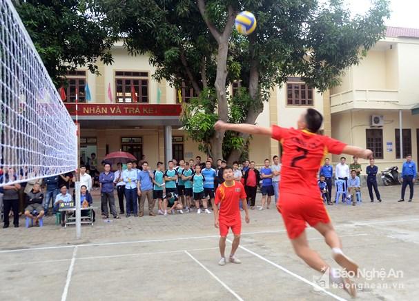 44 đội bóng tham gia Giải bóng đá qua lưới thành phố Vinh lần thứ nhất Ảnh 2